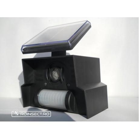 Dispozitiv solar anti caini-pisici cu senzor de miscare
