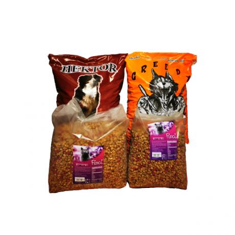 Pachet complet format din sac hrana caini de la Greedy , 10 kg, 1 sac de la Hector 10 kg si 2 saci hrana pisica de la Finci de 3 si 5 kg