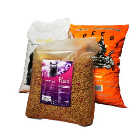 Pachet format din 1 sac hrana caini  de la Greedy 10 kg, 1 sac hrana caini Bodri 10 kg si 1 sac Finci hrana pisci 10 kg